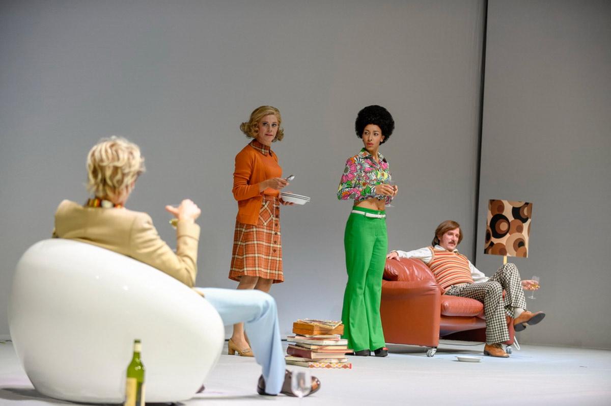 Bernhard-Duss-kostümbildner-costumedesign-Szenen einer Ehe-kostüme-costumes