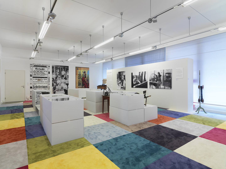 Ausstellungsszenographie_Bernhard Duss-Textildesign-Szenografie-Ausstellungsgestaltung
